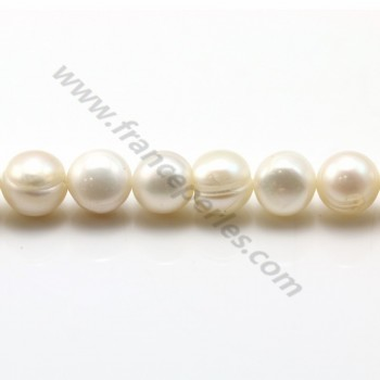 White freshwater pearls on thread 8-9mm x 40cm